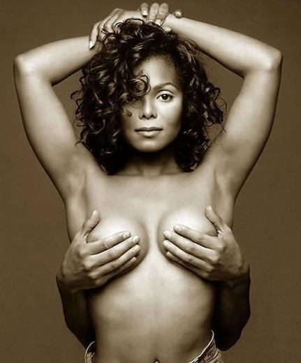 janet-jackson-boobs000x0432x520