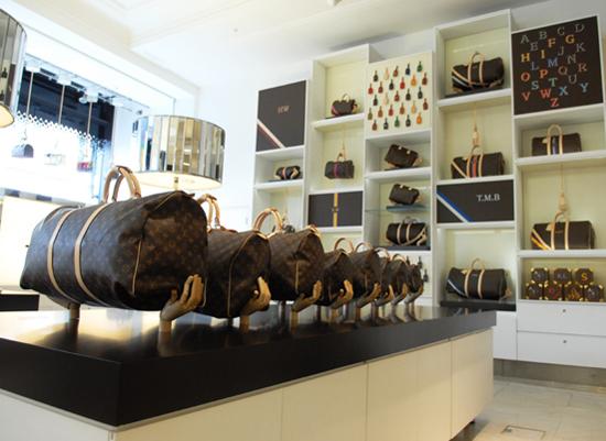 lv speedy concept store in selfridges fhaid. Black Bedroom Furniture Sets. Home Design Ideas